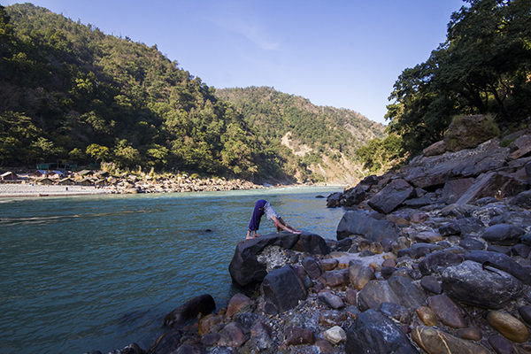 yoga-by-the-ganges